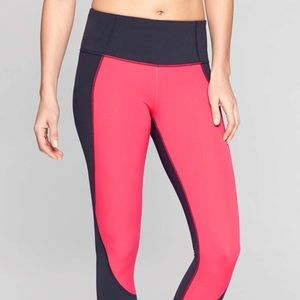 Athleta salutation color block Capri